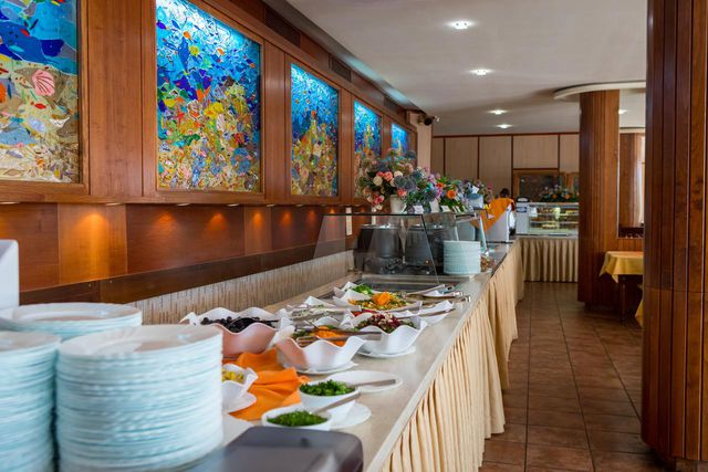 Perla Hotel - Food and dining